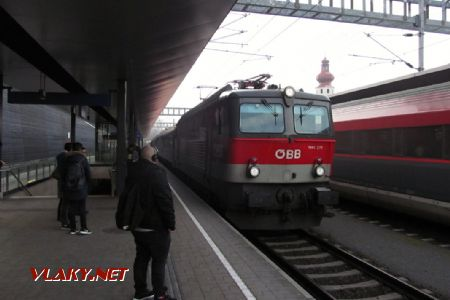 28.12.2018 – Feldkirch: 1144 271 v čele IC do Dortmundu © Dominik Havel