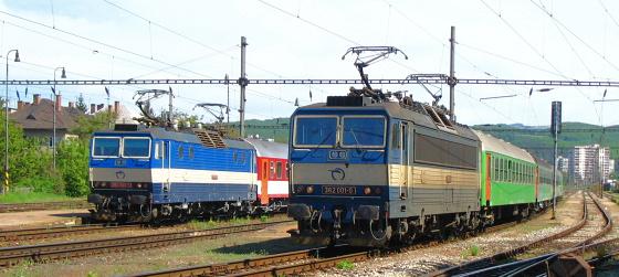 """Vlak ic 405 """"tatran"""" bol stiahnutý rušňom 363.094 žs cargo do"""