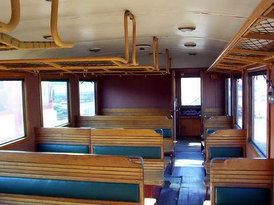 25.09.2004 - DKV Ostrava: ''Den železnice'' - M 131.1549 (interiér oddílu pro cestující) © PhDr. Zbyněk Zlinský