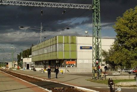 9.9.2007 - Hidasnémeti: staničná budova © Ing. Peter Antoš