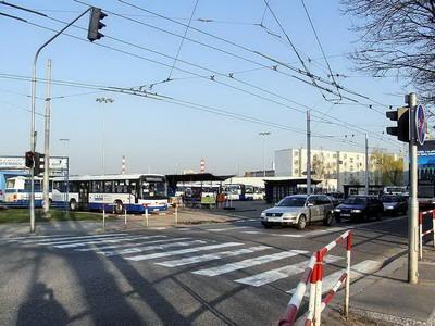 28.03.2007 - Hradec Králové: autobusové nádraží u Koruny © PhDr. Zbyněk Zlinský