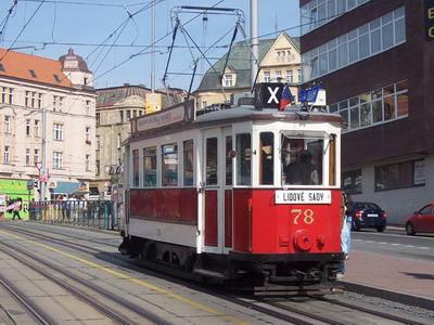 """22.09.2007 - Liberec, Šaldovo nám.: historická tramvaj """"Bovera"""" č. 78 na zastávce © Václav Vyskočil"""