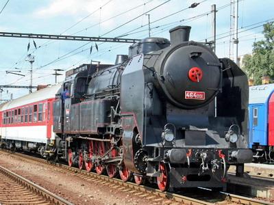 08.09.2007 - Nákladná st. Zvolen: MDC 464.001 na čele mimoriadneho vlaku z Banskej Bystrice © Ing. Igor Molnár