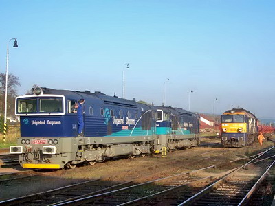 16.10.2007 - Meziměstí: 753.720 + 721 Unido a ST44R.006 CTL po odvěšení z vlaku © Václav Vyskočil