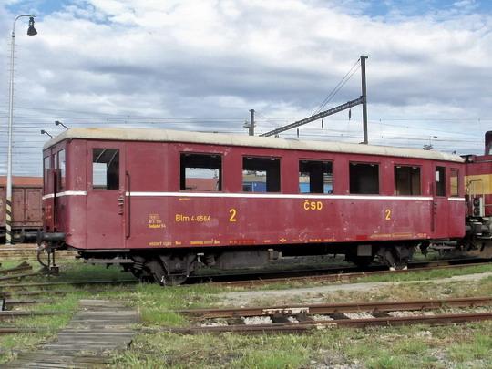 29.09.2007 - Břeclav: vůz Blm 4-6564 v depu, pravá strana © PhDr. Zbyněk Zlinský