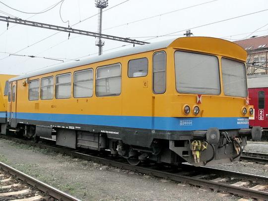 15.11.2005 - Hradec Králové hl.n.: obytný vůz MD-1-1 (ex FST-2 ex 892.601-6 ex FST-2 ex M 152.0001 ex M 151.0001) © PhDr. Zbyněk Zlinský