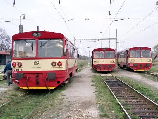 24.04.2005 - Louka u Litv.: 810.218 na Os 9706, 810.165 na Os 6912, 810.349 na Os 26811 © Václav Vyskočil