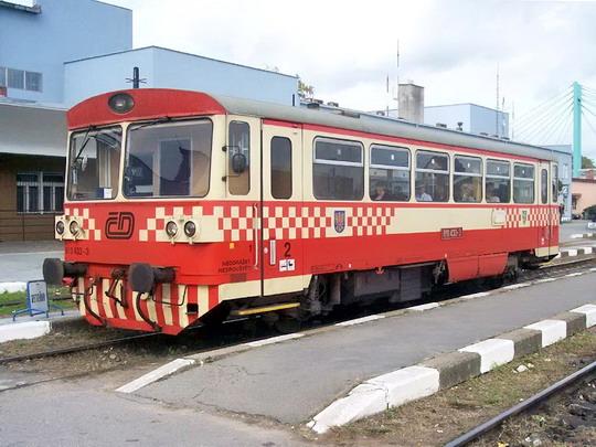 26.10.2005 - Znojmo: 810.433 na Os 6287 © Václav Vyskočil