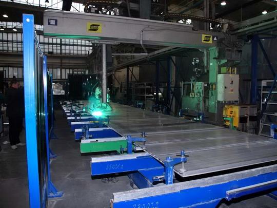 27.11.2007 - ČKD VAGONKA, a.s. Ostrava:  svařování dílů z aluminiových profilů © Radek Hořínek