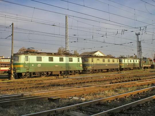 """""""Vraky"""" už jsou v olomouckém depu - říjen 2006  © Radek Hořínek"""