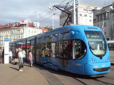 Zagreb-centrální tram.zastávka Trg bana J.Jelačića, 12.7.2007 © Rastislav Štangl