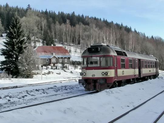 """""""Trautenberk u hájovny"""" aneb 854.212-8 jako Os 16220 Kořenov - Liberec dne 20.12.2007 © PhDr. Zbyněk Zlinský"""