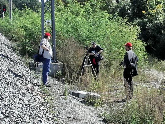 29.09.2007 - Břeclav: Shalomek, kmotr a Laci se balí po focení u Bratislaváku © PhDr. Zbyněk Zlinský