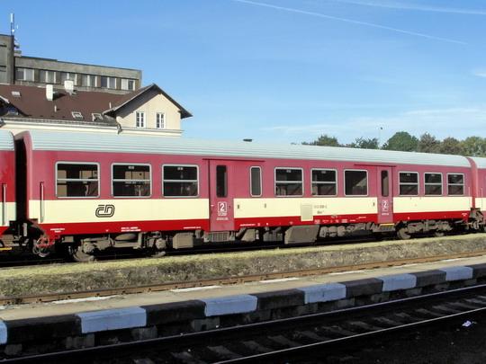 22.09.2007 - Liberec: odstavený vůz 043.008-2 © PhDr. Zbyněk Zlinský