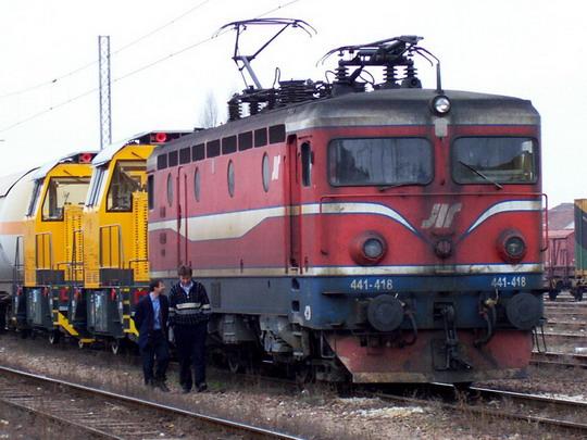 14.3.2006 - Subotica: 441 418+621.107+108 před odjezdem do N.Sadu © Bednář