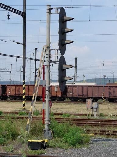 Integra – L4c, dobre viditeľné sú strmene a konzoly, Štúrovo, 13. 8. 2007... © Ing. Marko Engler
