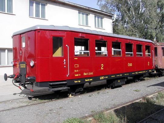 08.10.2005 - Sázava: přípojný vůz Blm 5-2243 v areálu SAZ (Studénka 1948 - 1950) © PhDr. Zbyněk Zlinský