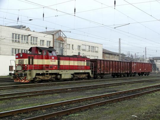 09.02.2008 - Hradec Králové hl.n.: 730.010-6 s manipulačním vlakem (a logy ČD Cargo) © PhDr. Zbyněk Zlinský