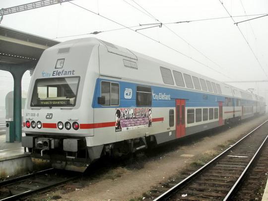 13.02.2008 - Hradec Králové hl.n.: 471.008-3 jako Os 5646 Pardubice hl.n. - Hradec Králové hl.n. © PhDr. Zbyněk Zlinský