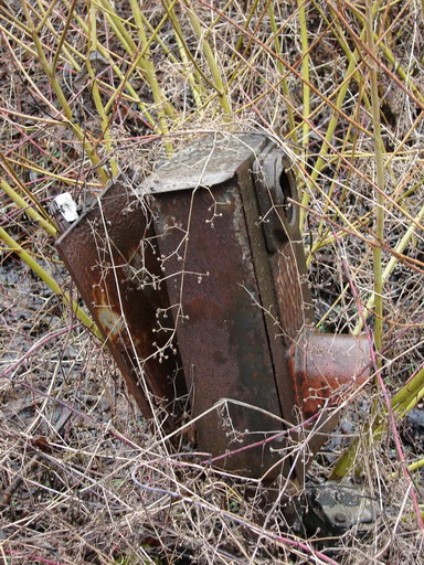 ESP – rozbitý trpaslík (pripomína typ ČKD), Šalková, 20. 3. 2007... © Ing. Marko Engler