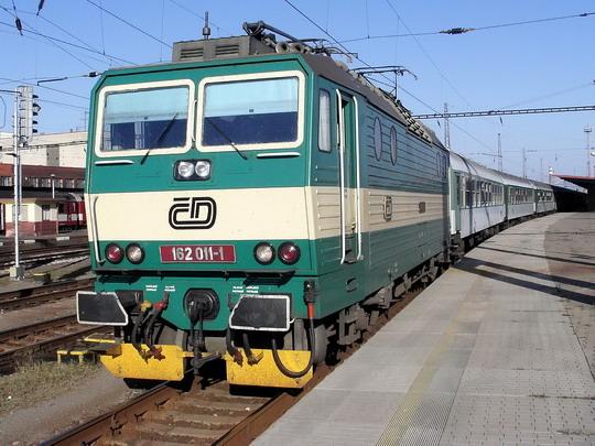 23.09.2006 - Pardubice hl.n.: 162.011-1 na R 622