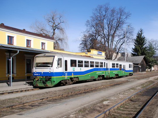 23.2.2008 - Šumperk: 814.501 ŽD přijíždí do Šumperka, Os13767 © Radek Hořínek