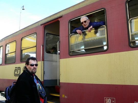 23.2.2008 - Šumperk - poslední slova před odjezdem: Radek a Zbyněk © Karel Furiš
