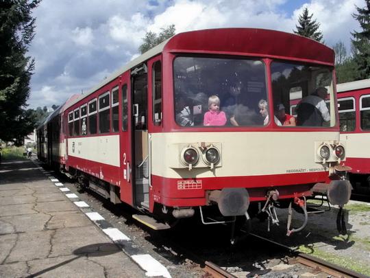 18.08.2007 - Kořenov: 843.007-6 + 015.442-7 jako Os 16222 Harrachov - Liberec © PhDr. Zbyněk Zlinský