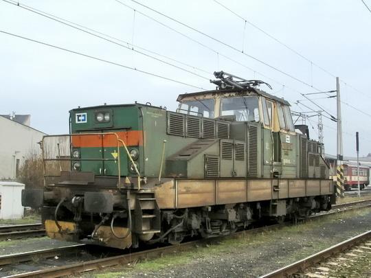09.02.2008 - PP Hradec Králové: 111.018-8 už s logy ČD Cargo © PhDr. Zbyněk Zlinský