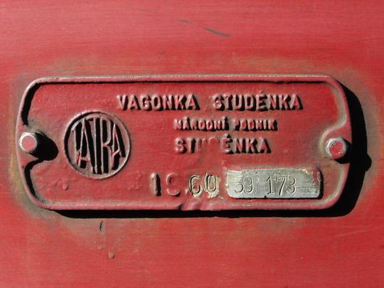 23.02.2008 - PP Šumperk: zjevně nepůvodní výrobní štítek vozu 831.234-0 z r. 1960, název odpovídá stavu od r. 1969 © PhDr. Zbyněk Zlinský