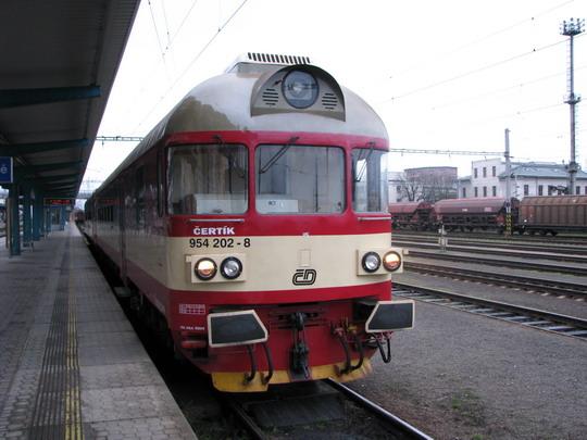 22.03.2008 - Hradec Králové hl.n.: 954.202-8 v čele Sp 1780 Hradec Králové hl.n. - Trutnov hl.n. © PhDr. Zbyněk Zlinský
