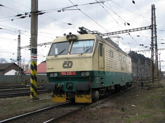 22.03.2008 - Přerov: zrychlená 150.225-1 ve šturcu © PhDr. Zbyněk Zlinský