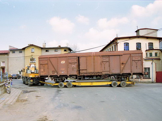 02.04.2002 - Jetřichov, otáčení o téměř 180° v prostoru křižovatky © Václav Vyskočil
