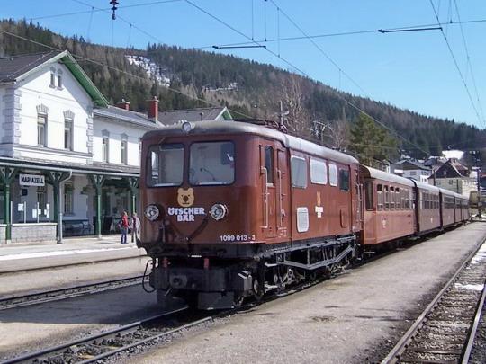 30.3.2008 – Mariazell: Lokomotiva 1099 v čele vlaku Ötscherbär © Marek Topič