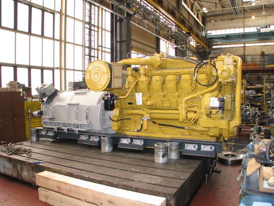 17.04.2008 - CZ LOKO Česká Třebová: motorárna - motor Caterpillar © PhDr. Zbyněk Zlinský