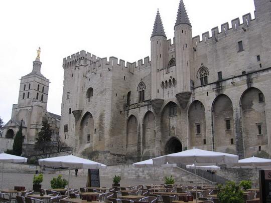 Avignon - pápežský palác, 10.3.2008 © František Halčák