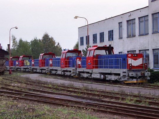 20.10.2001 - Nymburk ŽOS 714.228, již nekopletní lokomotivy po převozu z vlečky ČKD, © Václav Vyskočil