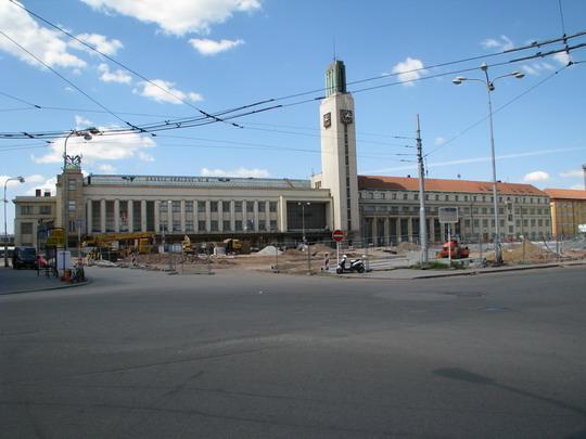 11.05.2008 - Hradec Králové: stavební ruch měnící Riegrovo náměstí © PhDr. Zbyněk Zlinský