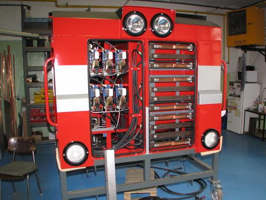 22.05.2008 - CZ LOKO Jihlava: elektrodílna - rozvaděč EDB pro litevský stroj řady ČME-3M © PhDr. Zbyněk Zlinský