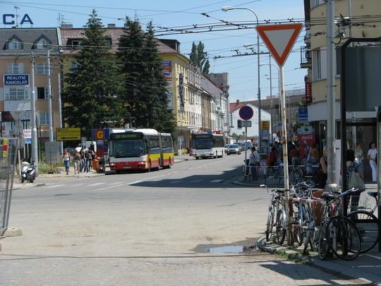 24.06.2008 - Hradec Králové hl.n.: křižovatka ulic S. K. Neumanna a Puškinovy u hotelu Černigov bude uzavřena © PhDr. Zbyněk Zlinský