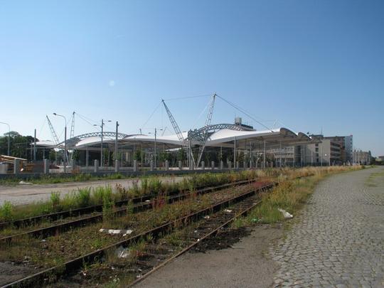 22.06.2008 - Hradec Králové: stavba terminálu BUS z komerčního obvodu ČD © PhDr. Zbyněk Zlinský