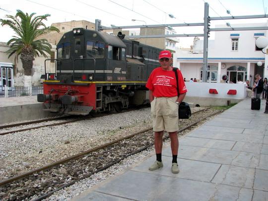 05.06.2008 - Sousse Bab el Jedid: autor a odstavený stroj 040-DM-259 © Helena Bažantová