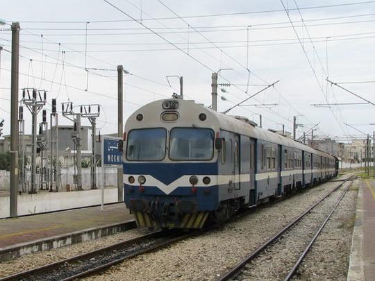 08.06.2008 - Moknine: stroj 040-DK-90 odjíždí v čele vlaku 520 Mahdia - Sousse Bab el Jedid © PhDr. Zbyněk Zlinský