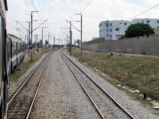 08.06.2008 - La Faculté: spojení tratí Monastir - Mahdia a Monastir - Sousse (foto z vlaku 536) © PhDr. Zbyněk Zlinský