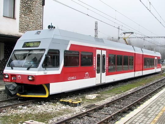05.05.2008 - Štrbské Pleso: jednotka GTW 2/6 TEŽ č. 425.955-2 © PhDr. Zbyněk Zlinský