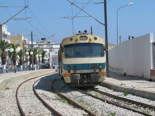15.06.2008 - Sousse: jednotka YZ-E-006 jako vlak 520 Mahdia - Sousse Bab el Jedid © PhDr. Zbyněk Zlinský