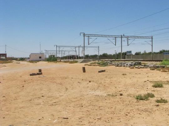 15.06.2008 - Sousse: pohled na stanici Sousse sud přes prostranství, na kterém jsem byl přepaden © PhDr. Zbyněk Zlinský