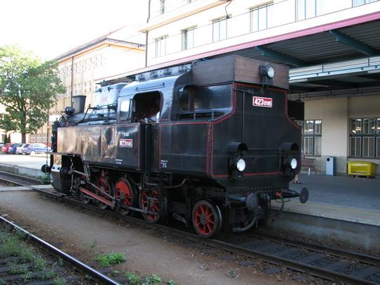 30.08.2008 - Hradec Králové hl.n.: 423.0145 najíždí na vlak směr Slezské Předměstí © PhDr. Zbyněk Zlinský