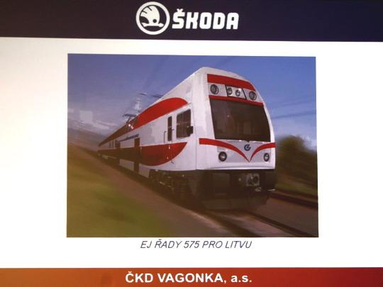 27.11.2007 - ČKD VAGONKA Ostrava: vizualizace jednotky 575 na promítacím plátně © Milan Vojtek
