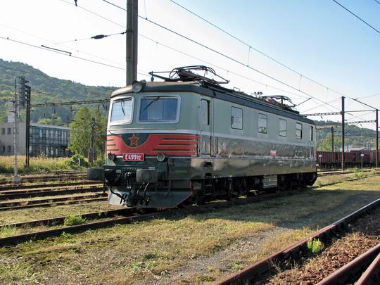 Děčínská historická E 499.112 alias 141.012-5 v kolejišti západního nádraží v Ústí nad Labem dne 26.9.2008 © PhDr. Zbyněk Zlinský